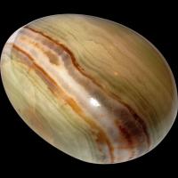 Poolvääriskivist muna, oonüks-marmor ca. 7x5cm